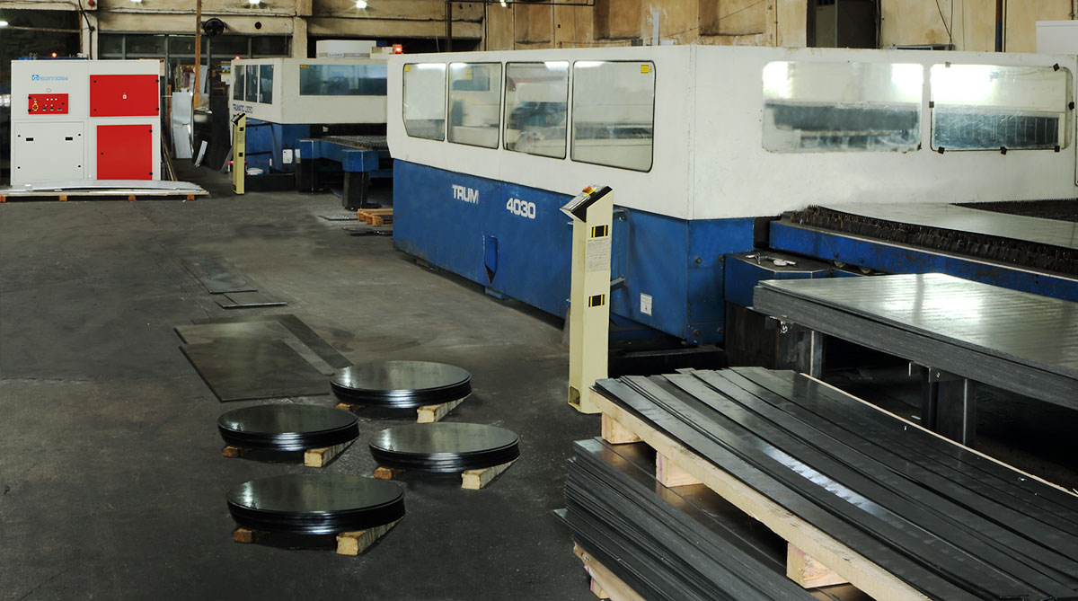 Dust-control-of-a-Laser-Cutting-Workshop-application-photo-2