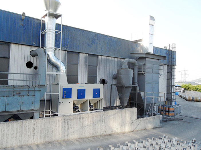Dust-extraction-of-an-automatic-high-speed-sand-blasting-application-photo-1